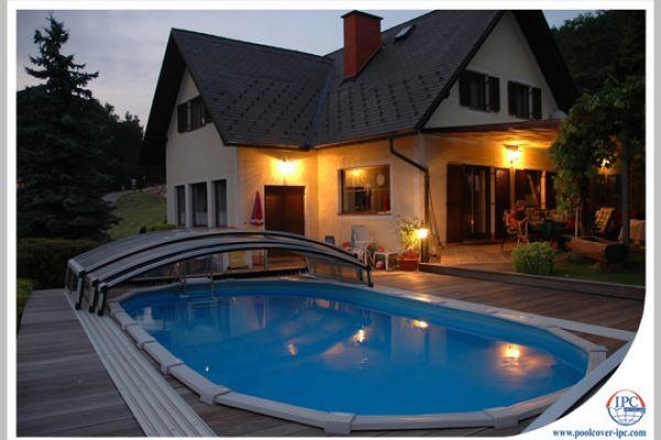 ipc-pool-enclosures-01898E5E028-10A9-76F0-63B1-D84334F49B13.jpg