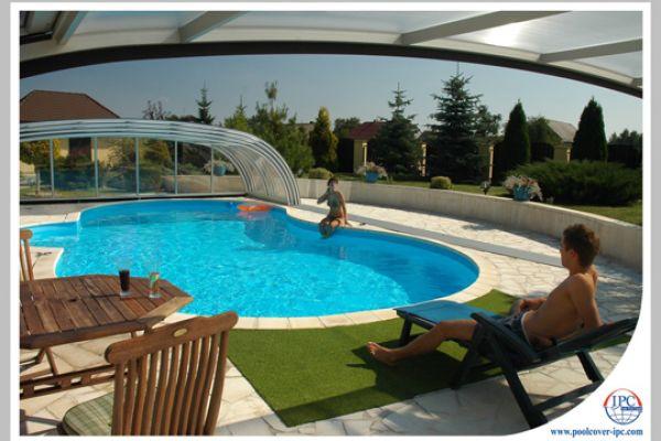 ipc-pool-enclosures-169DCFDD515-A5FB-7071-E955-8238BAC6944E.jpg